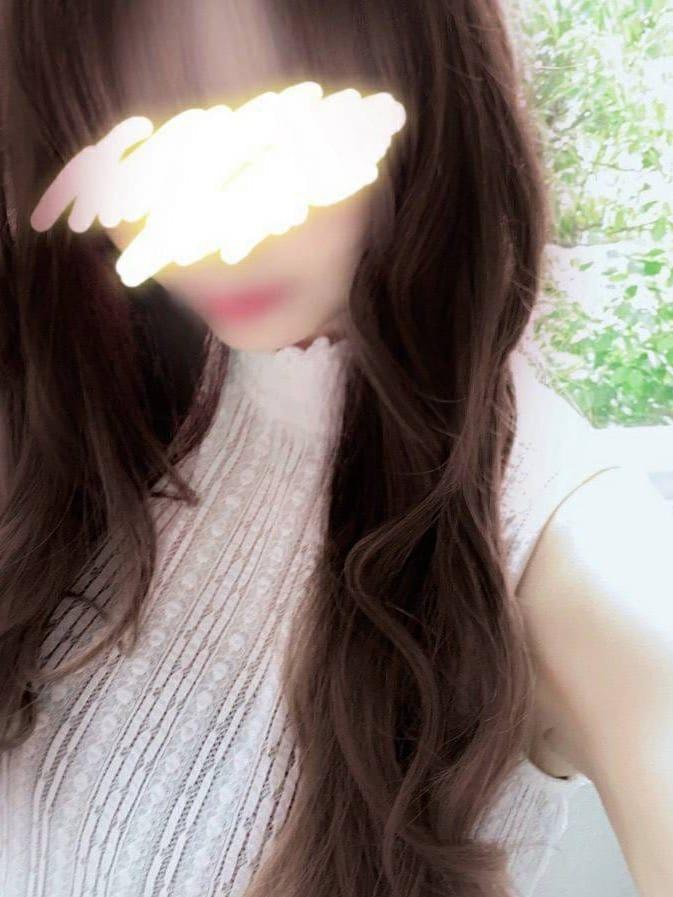 ゆな【かわいい顔で人懐っこい性格】 | office lady()