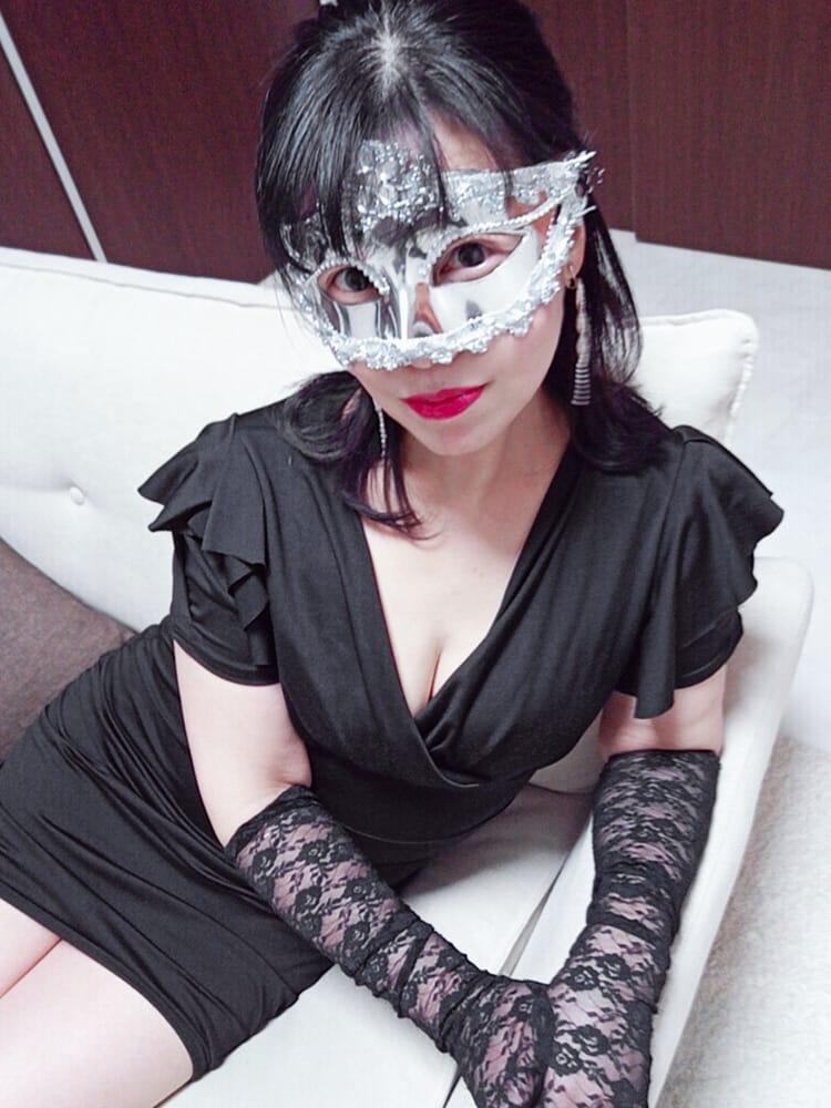 リュウ【洗礼された大人な雰囲気と妖艶さ】 | Masquerade -マスカレード - 琴似店()
