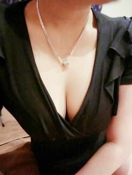 塚原 りょう | シークレットルームヒマワリ