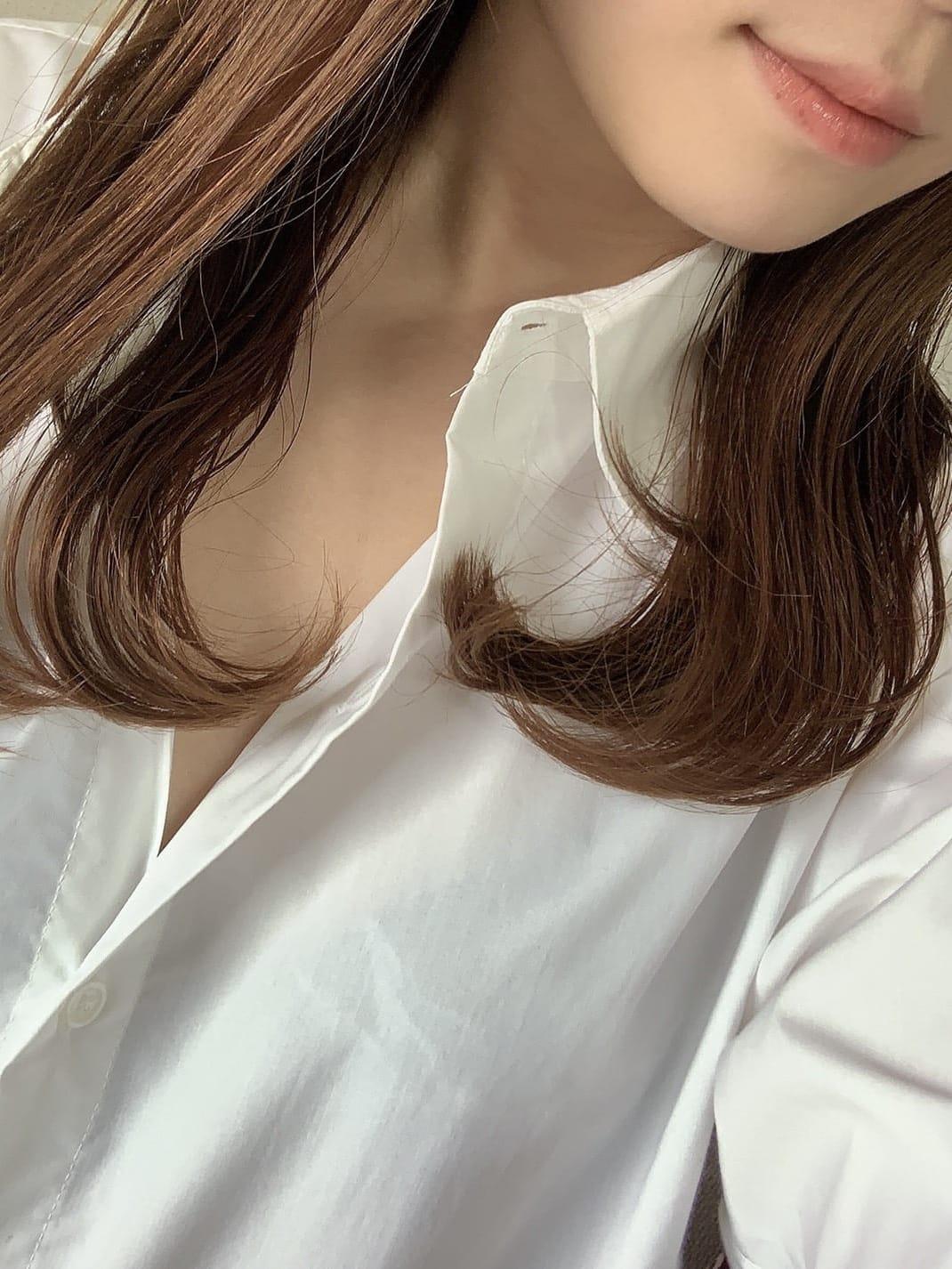 ひかる【愛嬌満点美人セラピスト】 | 博多Heart Wrap()
