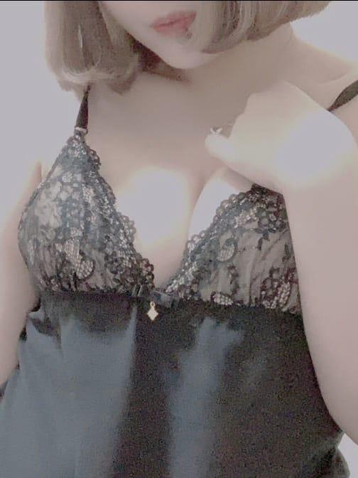 雫石恋愛(しずくいしれん)【小柄可愛らしい女の子です♪】 | ペルシコスPERUSIKOS()
