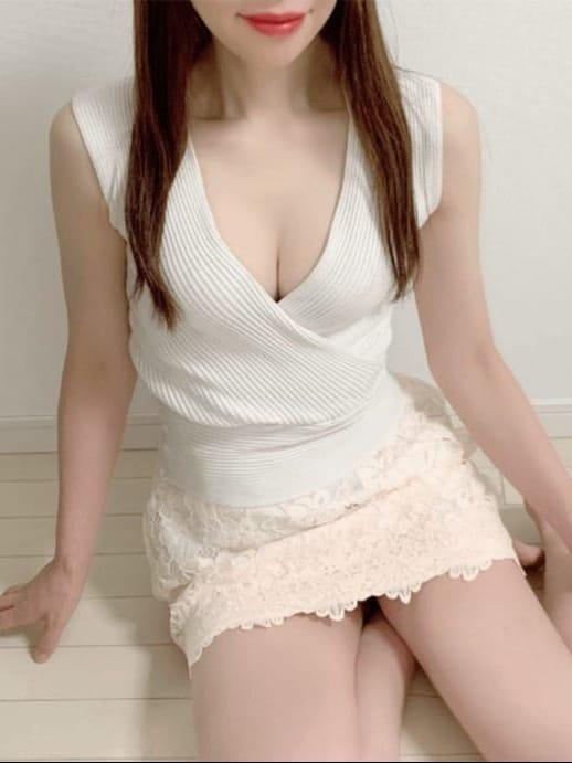 森山すみれ【大きな瞳白い肌スタイル抜群】 | 日本橋JYUKU女スパ 熟れた果実()