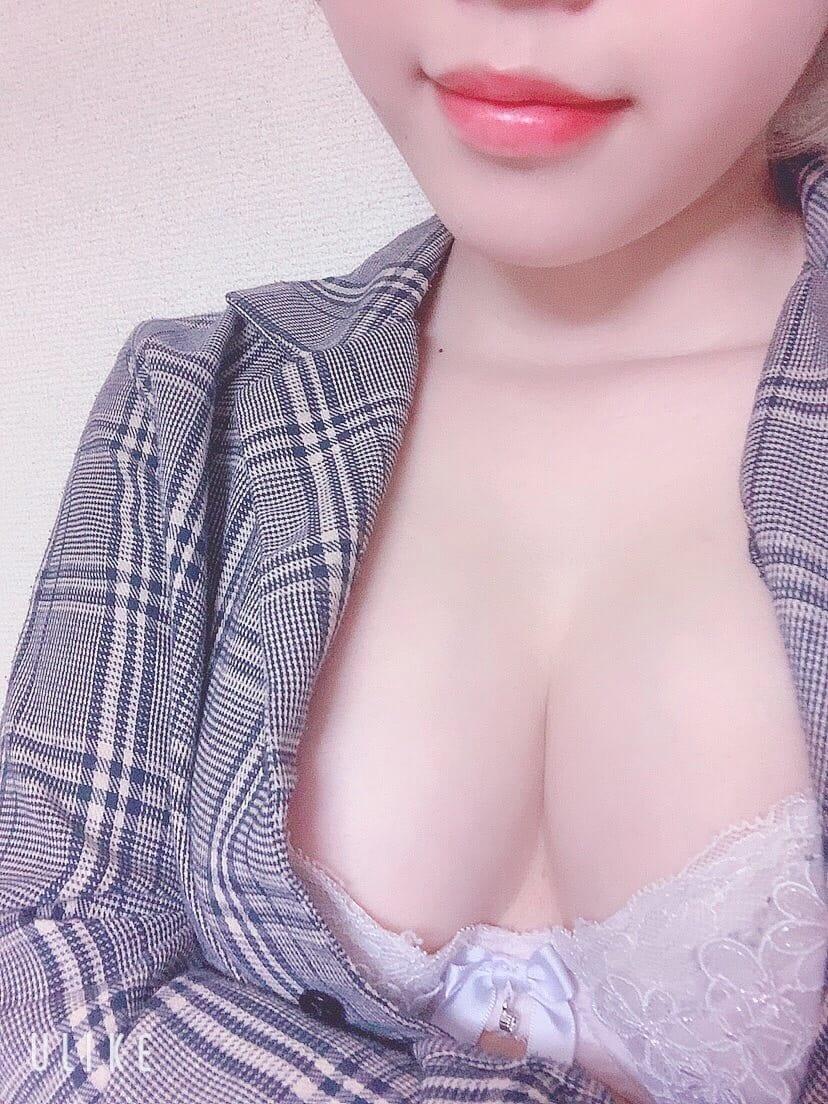 ふゆ【キレイなお顔立ちに気さくな性格】   RORISPA()