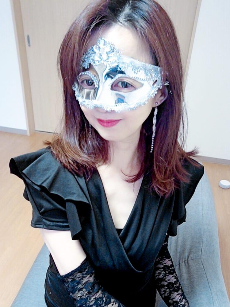 ココア【色香溢れる綺麗な顔立ち】 | Masquerade-マスカレード- 白石店()