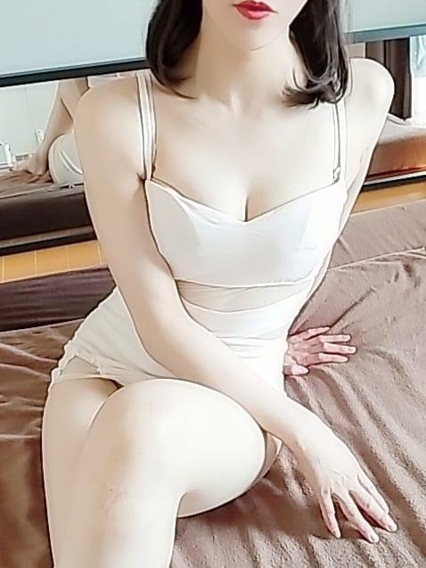 七瀬みこと【美脚に見惚れる清楚系】 | 目黒エシア()