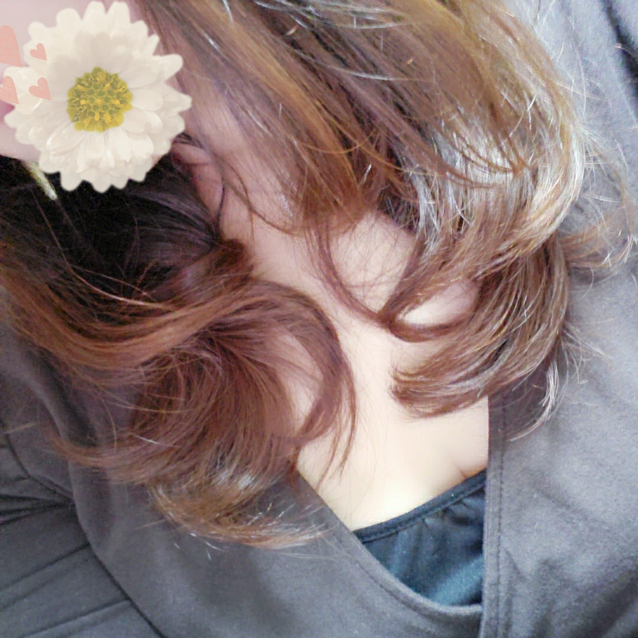「どっち???」02/25(木) 14:17 | 花の写メ日記