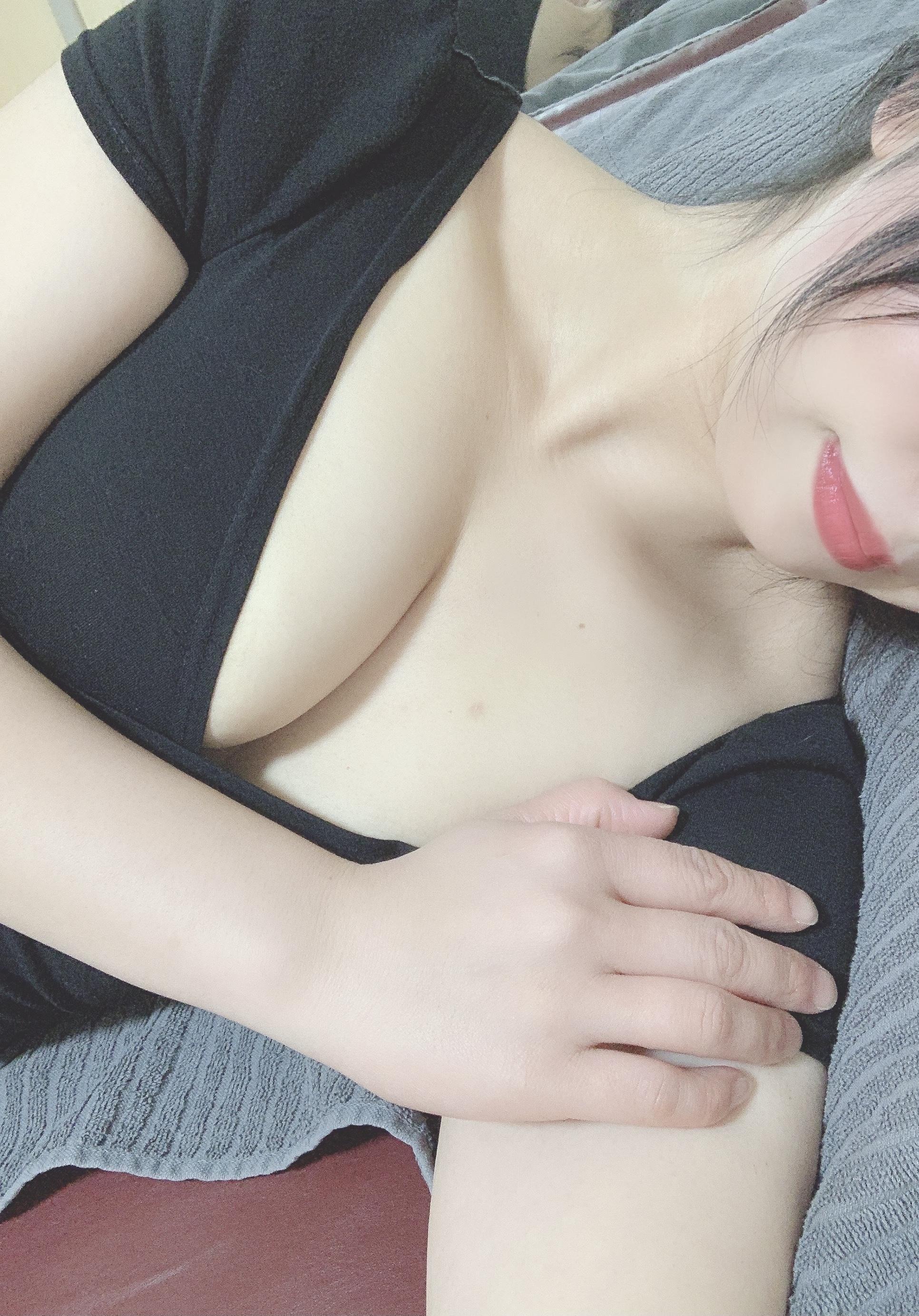 「今週の出勤予定。本日も出勤します!」04/21(水) 10:46   三浦の写メ日記