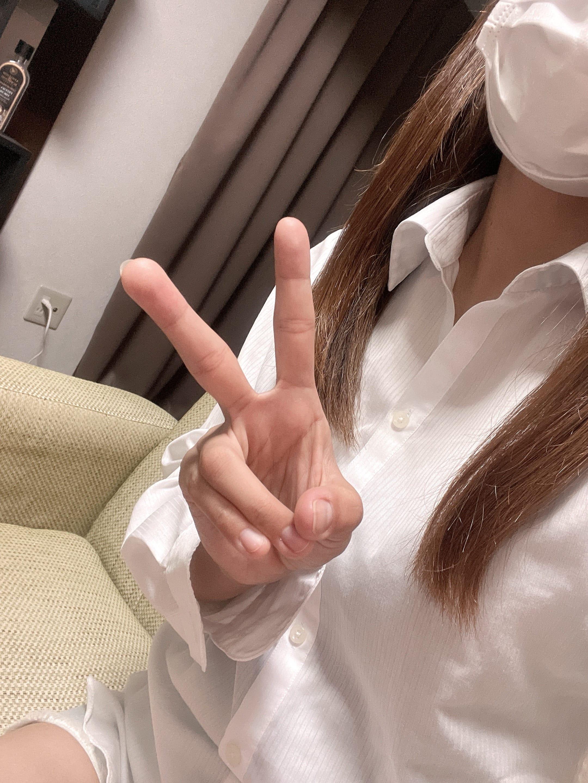 「出勤してます^ ^」09/03(金) 20:29 | ななの写メ日記