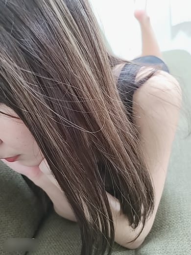 「おはようございます♡今日も12時からおまちしてます♡♡♡」10/15(金) 10:56 | エミの写メ日記