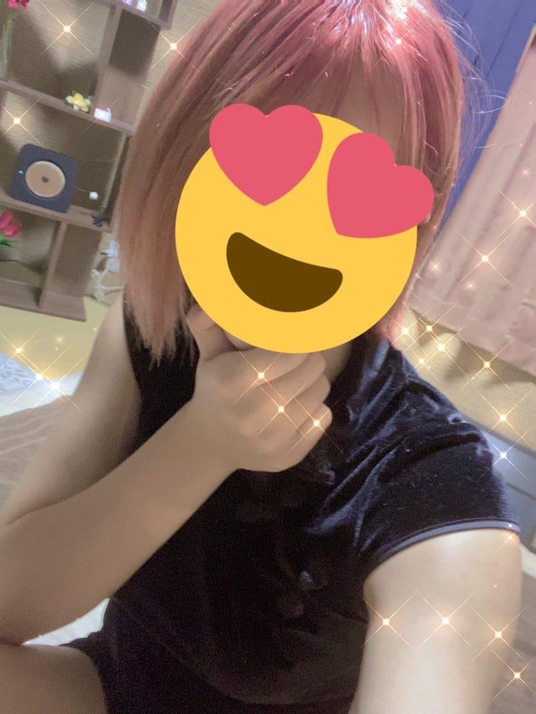 「るんるん(^0^)♡♡」10/20(水) 19:48 | 小日向ちなつの写メ日記
