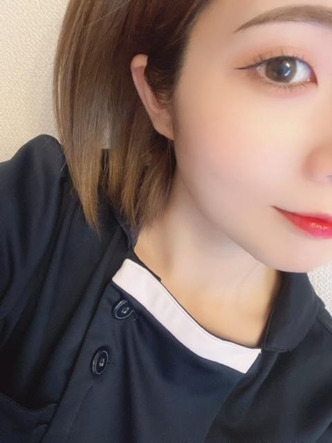 「出勤中〜!!」10/26(火) 13:40   藍沢むつきの写メ日記
